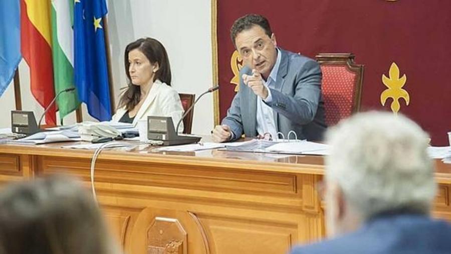 Torremolinos Torremolinos El Partido Popular interpone una querella contra el Alcalde José Ortiz, por prevaricación administrativa