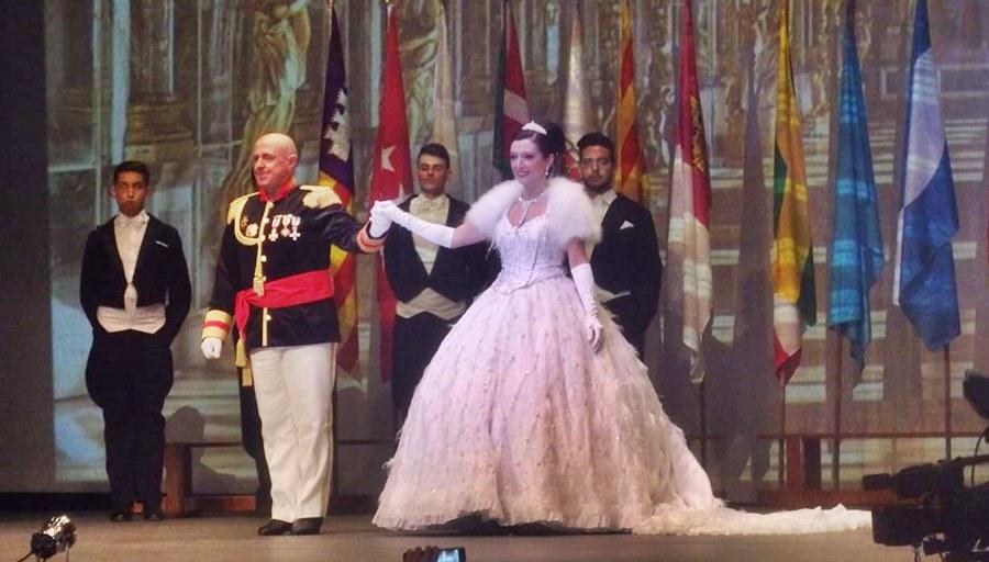 Fuengirola Fuengirola El Baile del Emperador y los Campeonatos de Europa de Vals y Chachachá llenaron de glamour el Palacio de la Paz de Fuengirola