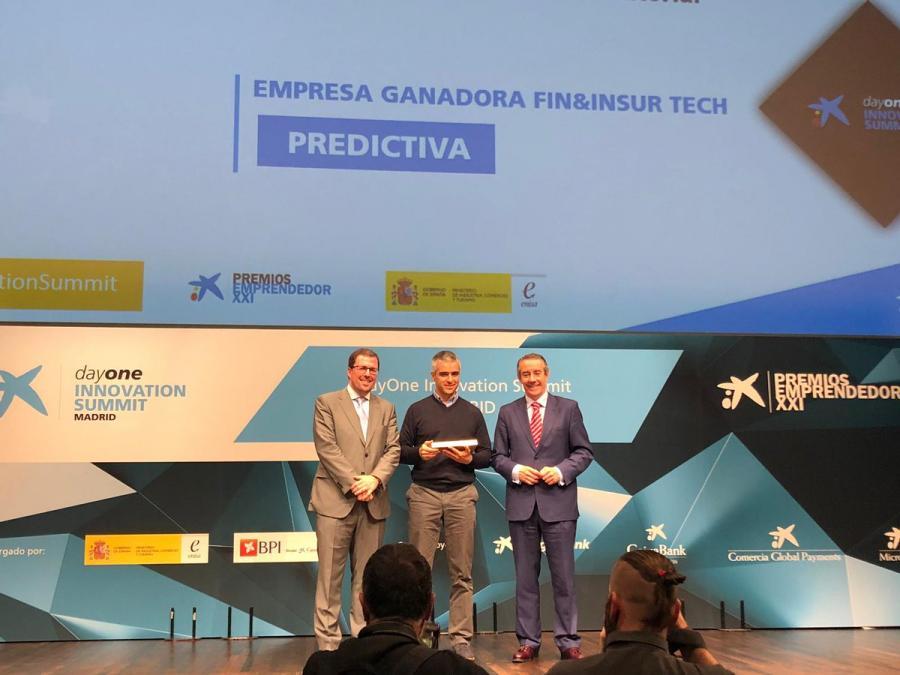 """Marbella Marbella La malagueña 'Predictiva' gana el Premio Emprendedor XXI nacional en la categoría 'Fin&InsurTech' creando un bot de inteligencia artificial llamado """"Clara"""""""