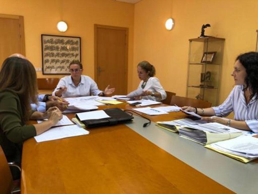 Fuengirola Fuengirola Fuengirola registra un nuevo descenso del desempleo de 215 personas lo que la sitúa a niveles de antes de la crisis