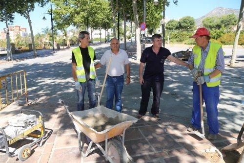 Benalmadena Benalmadena Servicios Operativos del Ayuntamiento de Benalmádena realizan trabajos de mejora en el recinto ferial de La Paloma
