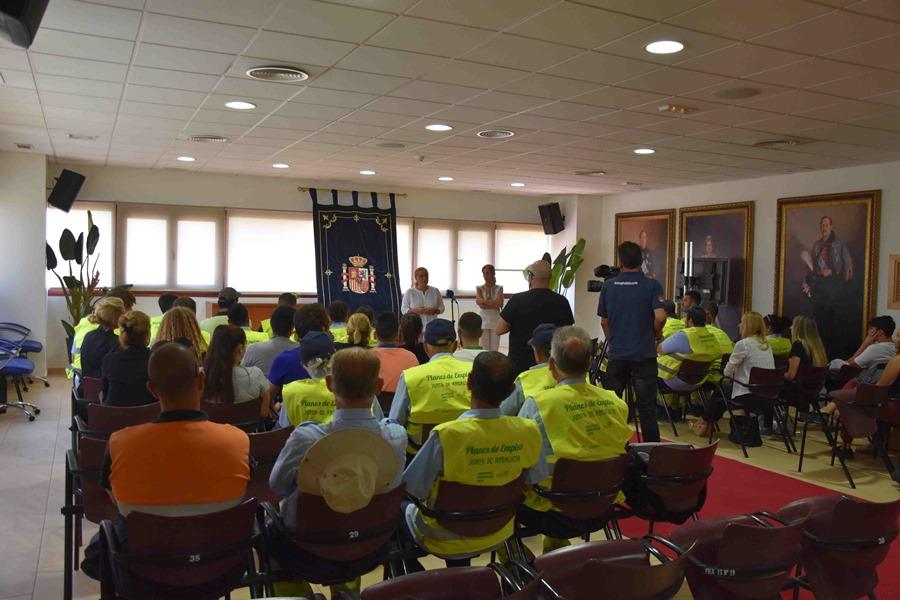 Fuengirola Fuengirola Un total de 47 desempleados de Fuengirola se incorporan al mercado laboral gracias a los planes de empleo del proyecto Iniciativa de Cooperación Local
