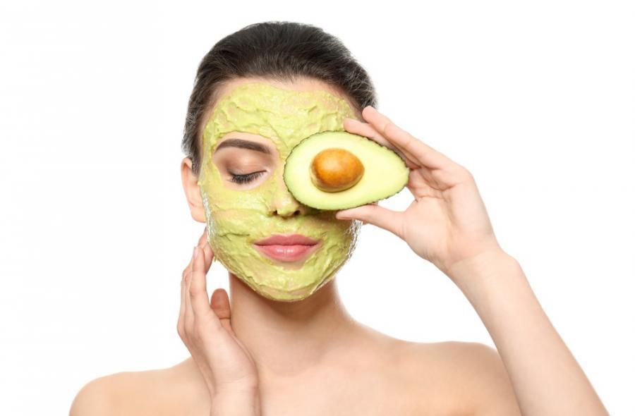 Actualidad Actualidad 4 consejos para lucir este verano una piel y un cabello radiante con el aguacate