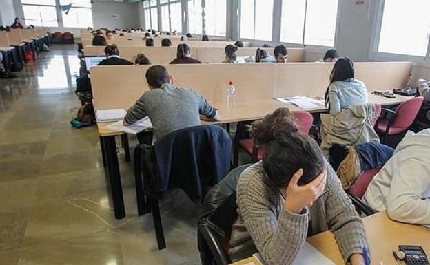 Actualidad Actualidad 13 estudiantes andaluces se reparten más de 1,2 millones de dólares en becas en universidades de EEUU