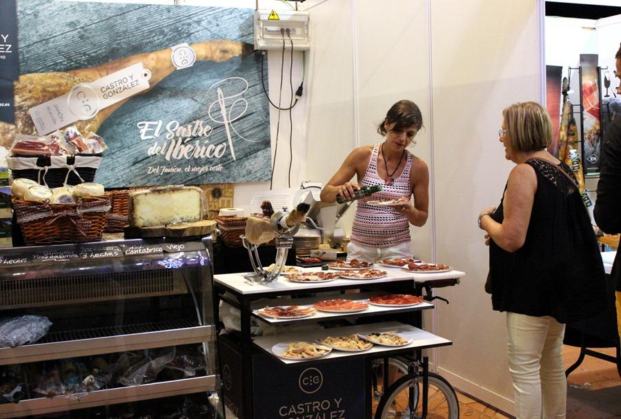 Estepona Estepona El VI Certamen Mundial del Jamón, que comenzará el viernes en Estepona, contará con  150 cortadores y 55 expositores
