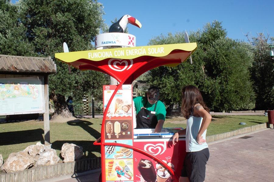 Actualidad Actualidad Unilever pone en las playas, parques y calles carritos de helados que utilizan energía solar para refrigerar los productos