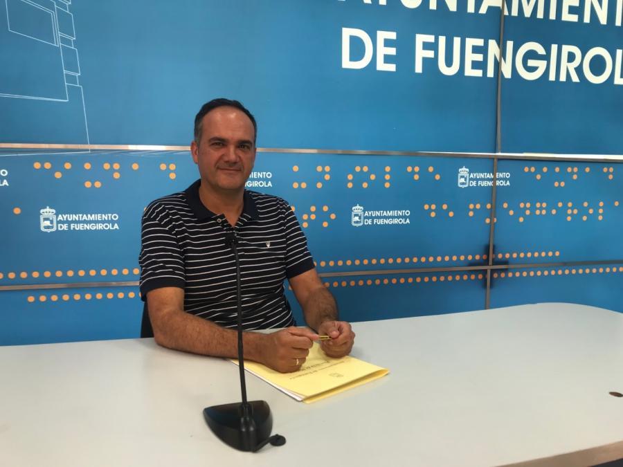 """Fuengirola Fuengirola Las bolsas de """"Mis compras en Fuengirola"""" empiezan a repartirse entre los negocios del mercado de Los Boliches"""