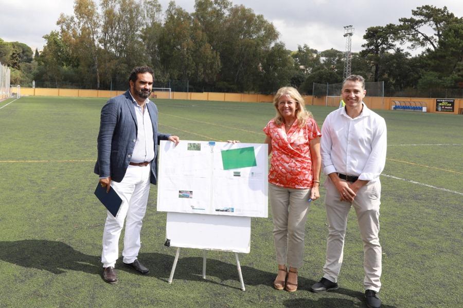 Marbella Marbella El Ayuntamiento emprende la sustitución del césped artificial y obras de mejora en el Campo de Fútbol 11 del Estadio Santa María de Las Chapas