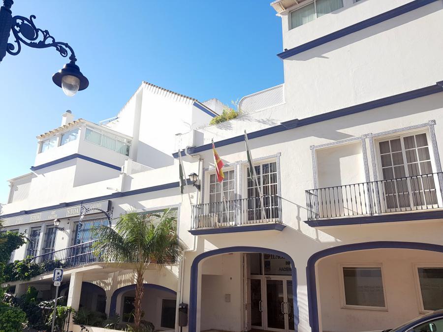 Estepona Estepona El Ayuntamiento de Estepona firma convenios con 18 empresas para que desempleados realicen prácticas remuneradas