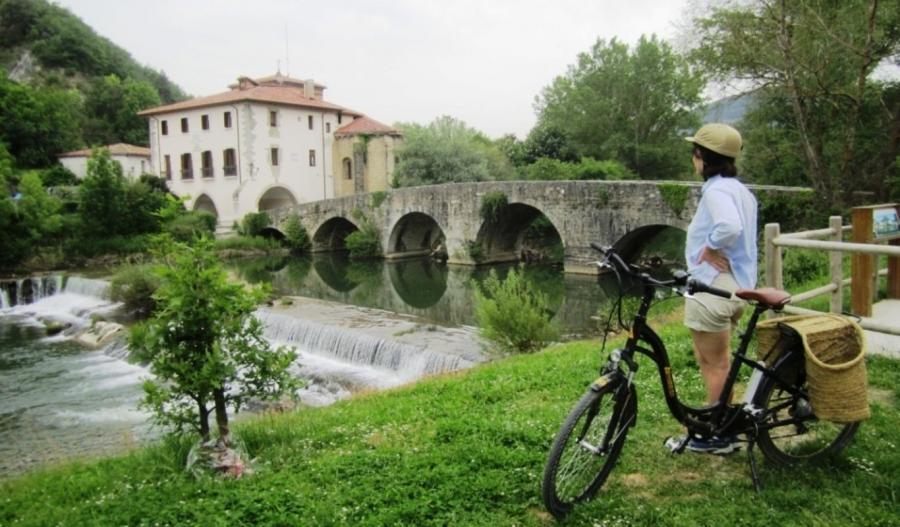 Turismo Hoteles Las reservas para el Puente del Pilar caen un 74.64% frente al año pasado