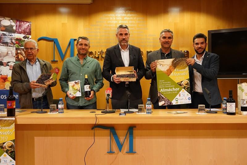 Turismo Hoteles Almáchar vuelve a celebrar su tradicional Mercado Moscatel con el vino y la uva pasa como protagonistas