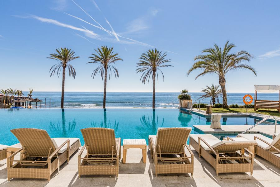 """Marbella Marbella El Beach Club Estrella del Mar presenta:  """"LIVING THE WINTER"""",  porque el invierno también se vive junto al mar"""