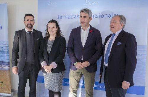 """Benalmadena Benalmadena El alcalde y la concejala confirma que la renovación en la concesión del Puerto Deportivo """"Avanza a buen ritmo"""""""