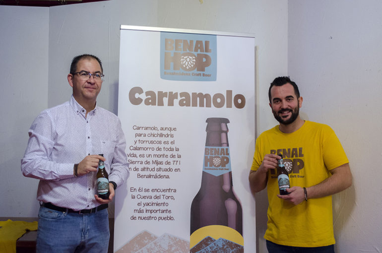 "Benalmadena Benalmadena La nueva empresa Benalhop presenta la primera cerveza artesana de Benalmádena, llamada ""Carramolo"""