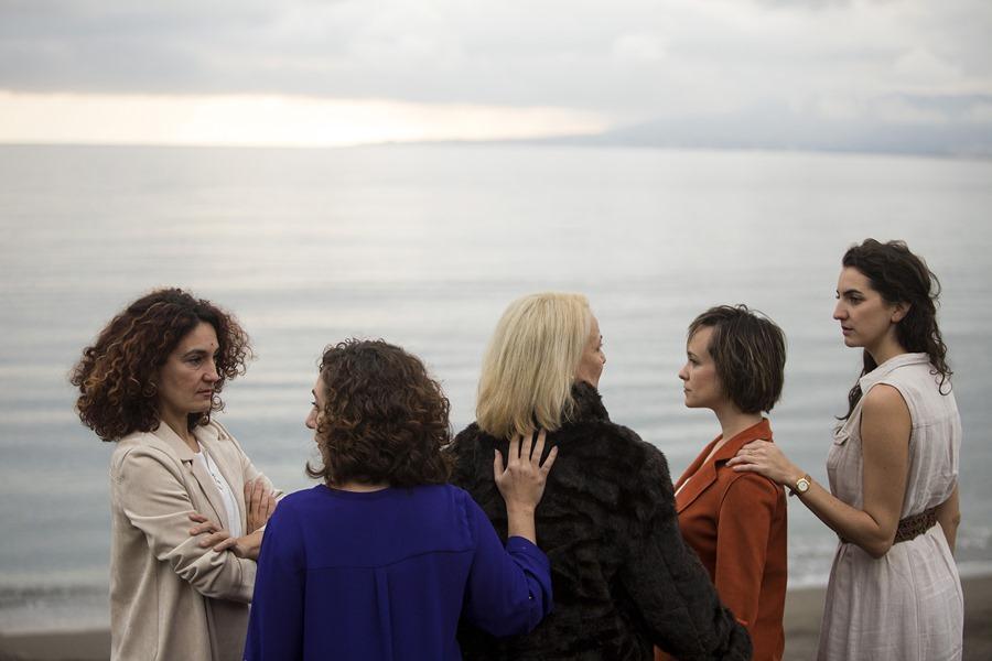 Malaga Malaga Factoría Echegaray estrena La Isla del Aire, la historia de cinco mujeres de una familia que buscan la luz para apagar el dolor