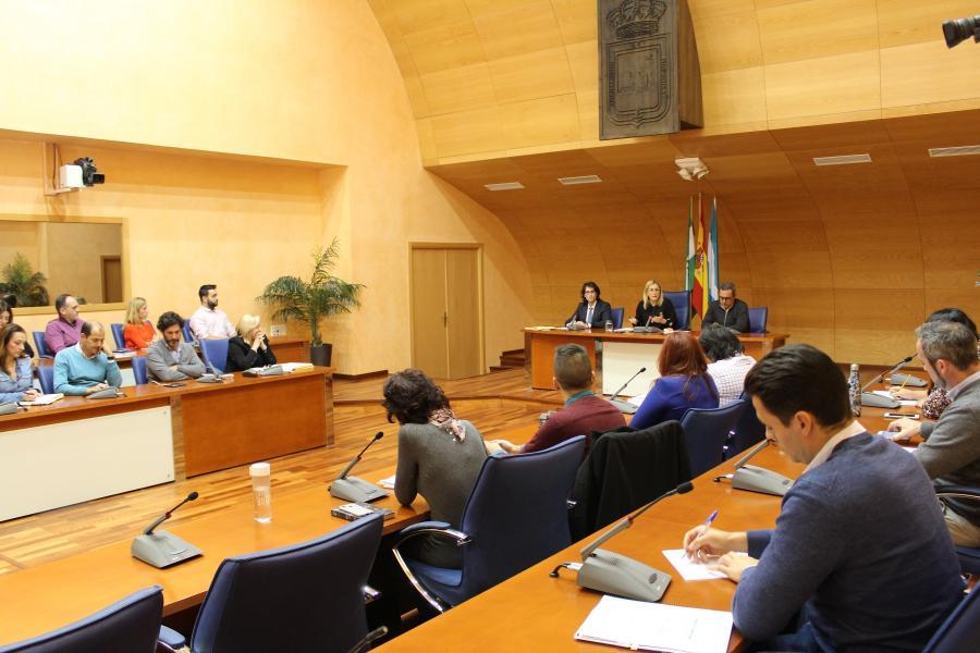 Fuengirola Fuengirola El Ayuntamiento inicia los trámites para declarar a Fuengirola municipio de gran población