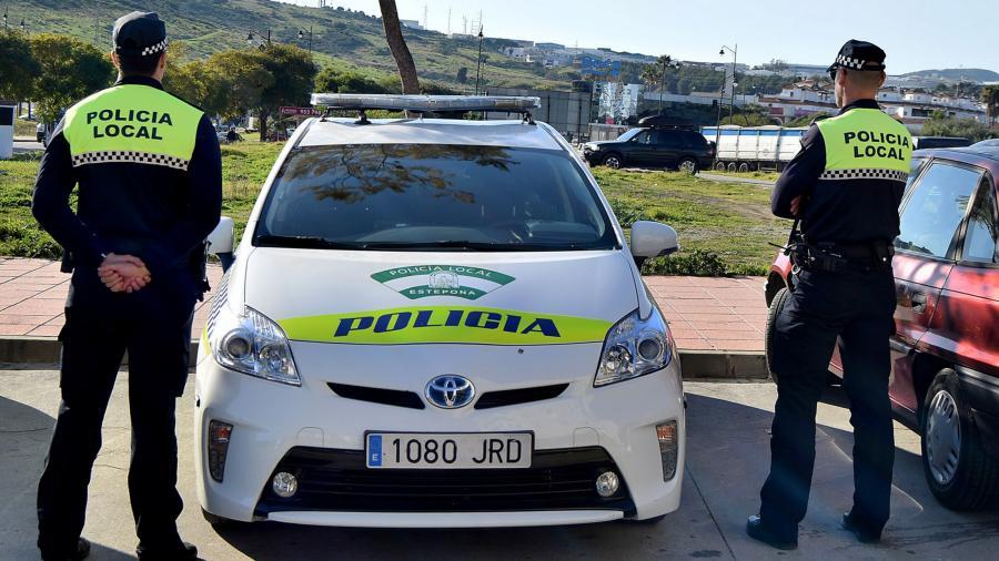 Estepona Estepona La Policía Local de Estepona inicia las campañas de control de tráfico y alcoholemia con motivo de las fiestas navideñas