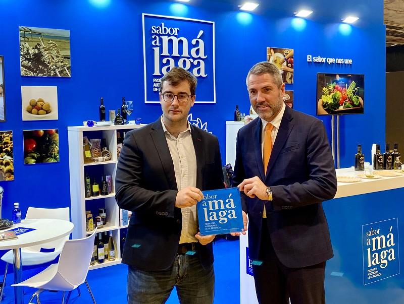 Malaga Malaga El Cocinero Revelación de Madrid Fusión 2019, Fernando Alcalá, recibe la placa de 'Sabor a Málaga'