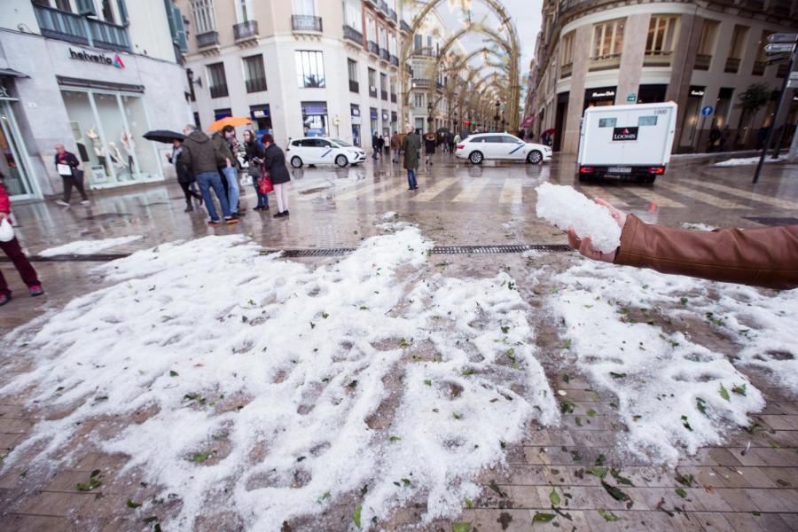 Malaga Malaga Ascienden a más de un centenar las incidencias a causa de la lluvia y granizo en Málaga