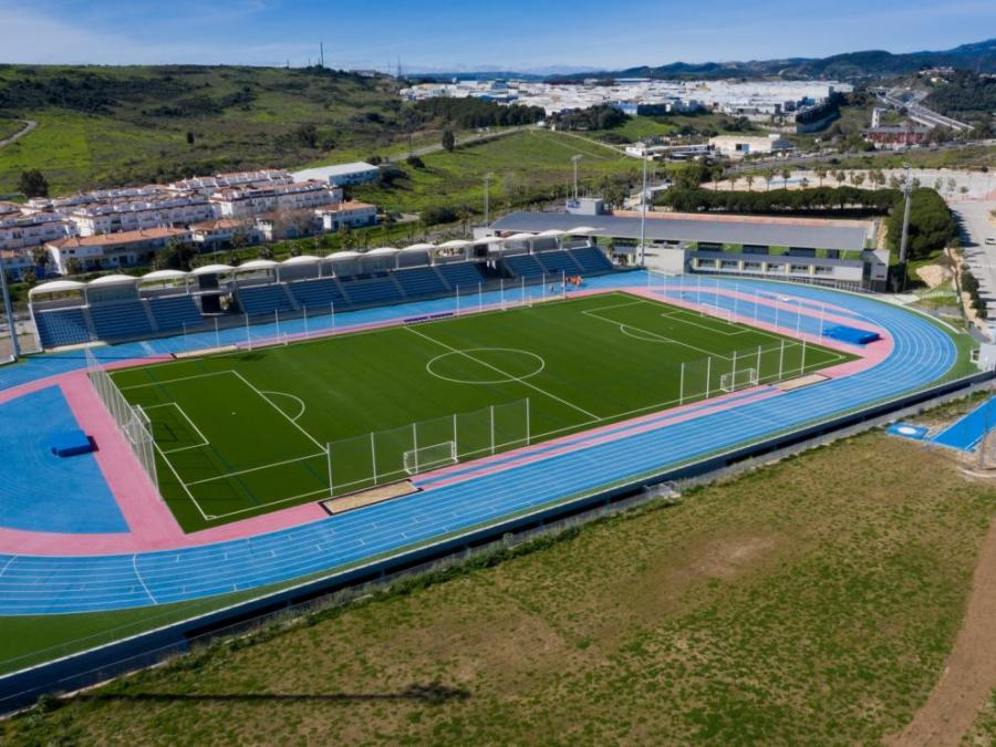 Estepona Estepona El Ayuntamiento de Estepona complementa el Estadio de Atletismo con una zona de lanzamiento