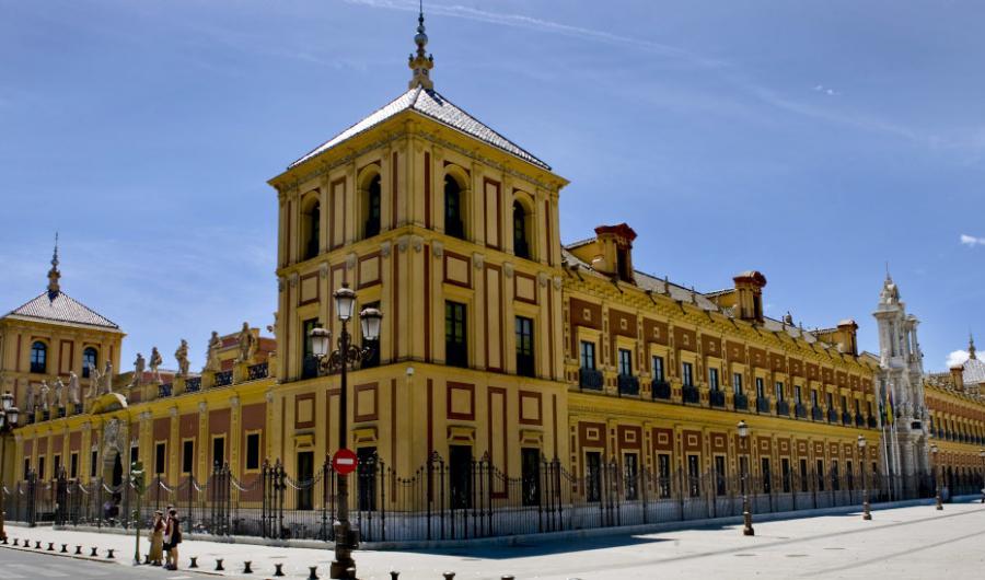 Actualidad Actualidad El Gobierno andaluz garantiza los pagos a las empresas que prestan servicios a la Administración: El decreto-ley urgente solo en el sector educativo beneficia a 30.000 trabajadores