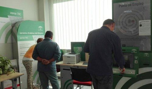 Actualidad Actualidad El paro sube en 12.800 personas en Andalucía hasta marzo y se destruyen 28.900 empleos