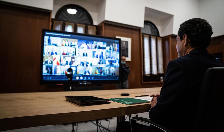 Actualidad Actualidad Moreno pide a Sánchez que revise los criterios de la desescalada que suponen un agravio para las provincias de Málaga y Granada