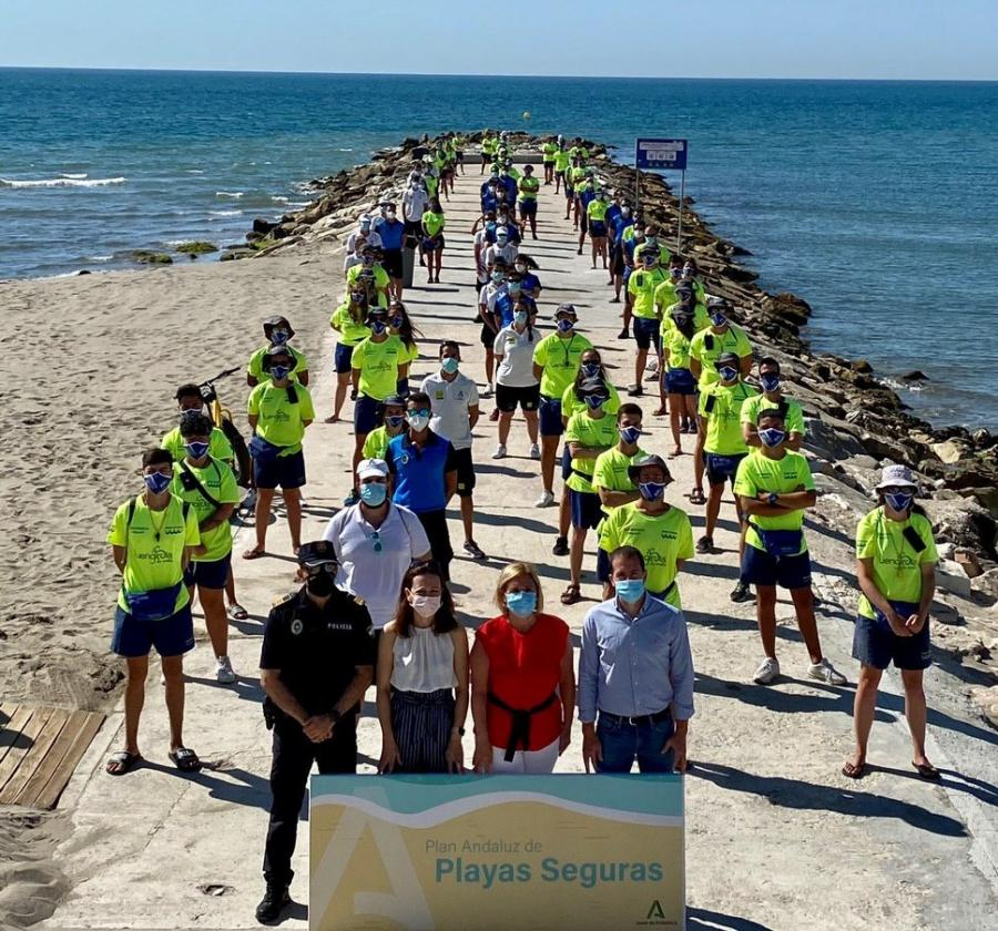 Fuengirola Fuengirola Fuengirola refuerza la seguridad de sus playas con un dispositivo compuesto por 153 personas