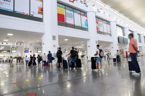 Turismo Hoteles El aeropuerto de Málaga prevé a partir de julio alrededor de un centenar de vuelos diarios