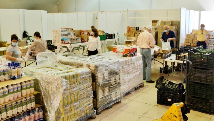 Estepona Estepona El Ayuntamiento de Estepona ha destinado 250.000 euros en ayudas económicas y alimentos para familias vulnerables desde el inicio de la pandemia