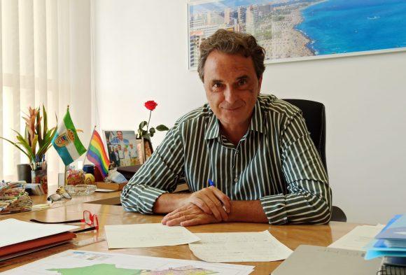 """Torremolinos Torremolinos El alcalde asegura que el acuerdo del Gobierno para que los ayuntamientos puedan usar su superávit es """"muy positivo"""" para Torremolinos"""