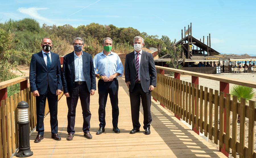 Estepona Estepona El Ayuntamiento inaugura otro tramo de la senda litoral, que con 19 kilómetros conecta ya el 85% de la costa de Estepona
