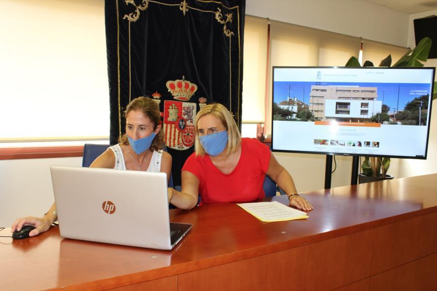 Fuengirola Fuengirola El Ayuntamiento de Fuengirola pone en marcha su propio Plan de Teleformación con 27 cursos gratuitos para desempleados, afectados por ERTE y autónomos