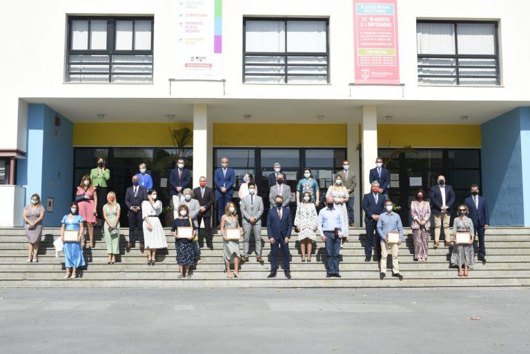 Torremolinos Torremolinos Torremolinos entrega su Medalla de Honor a los sanitarios en el 32 aniversario de la autonomía del municipio