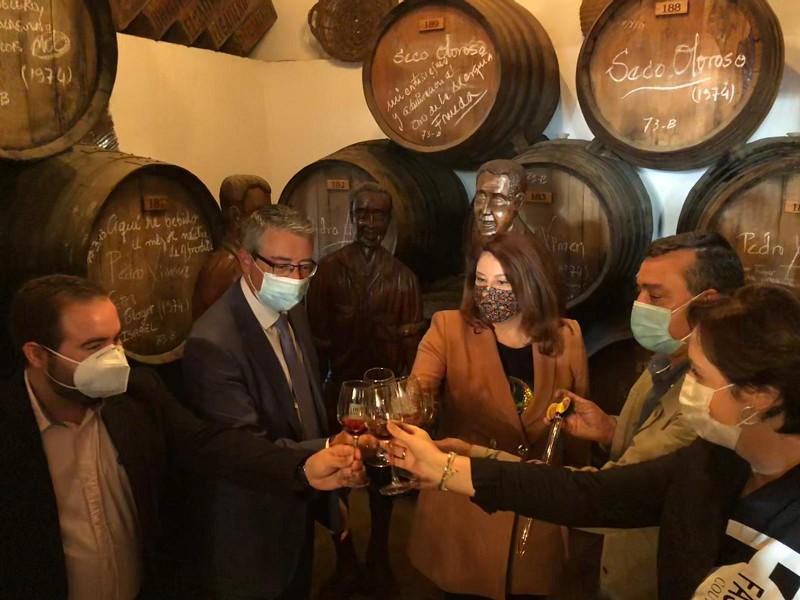 Turismo Hoteles Salado apuesta por incrementar la promoción de la uva pasa y lograr que se introduzca su uso en la restauración
