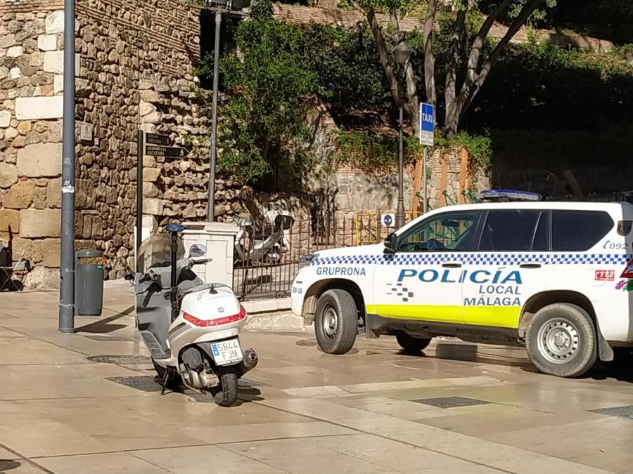 Malaga Malaga Desalojan un establecimiento en Málaga donde había una fiesta con más de 150 personas