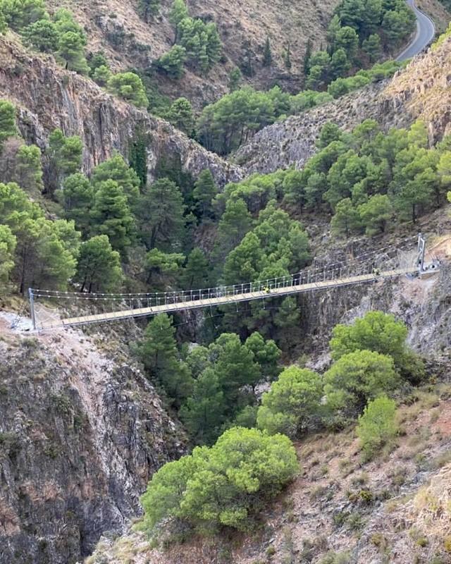 Turismo Hoteles La Gran Senda contará con uno de los tres puentes colgantes más grandes de España en espacios naturales