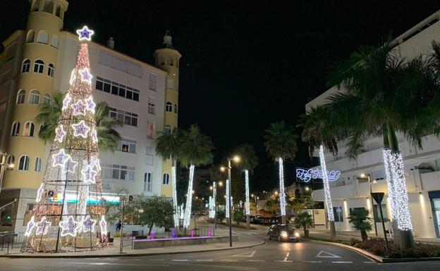 Estepona Estepona El Ayuntamiento de Estepona ahorra más de 250.000 euros en la iluminación navideña