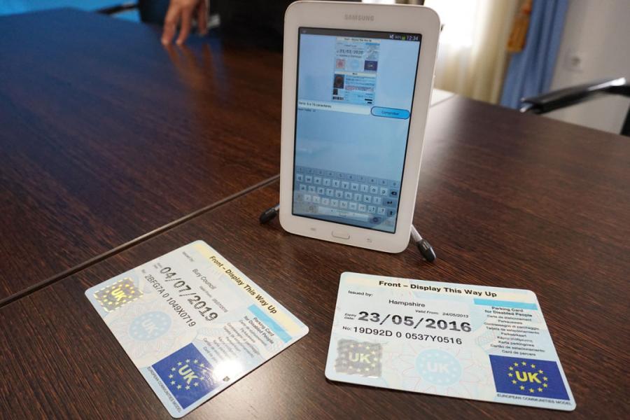Mijas Mijas La Policía Local de Mijas desarrolla una app para detectar el uso fraudulento de las tarjetas de estacionamiento de movilidad reducida