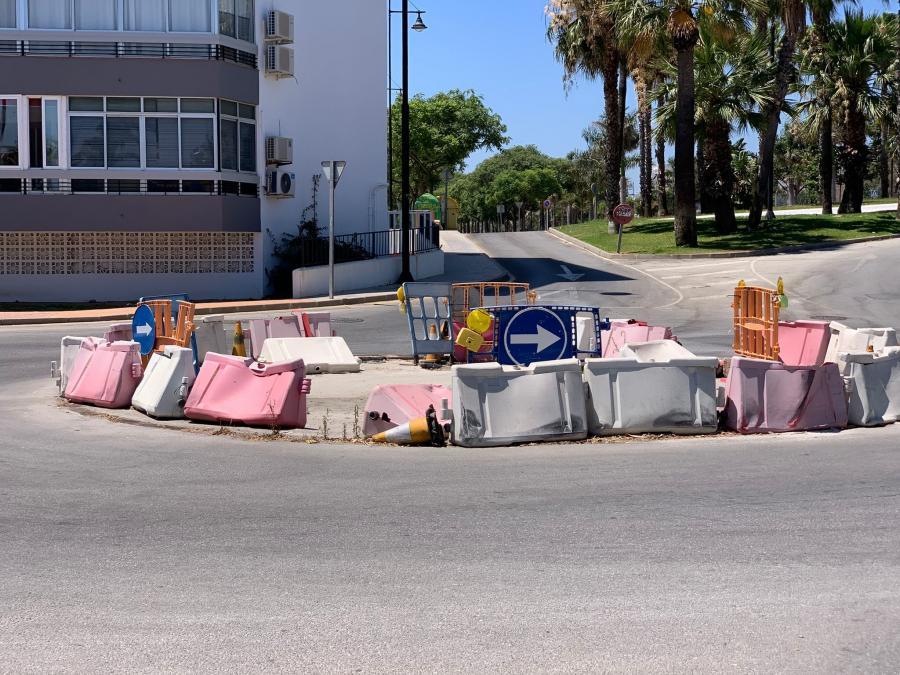 Torremolinos Torremolinos Una imagen vale más que mil palabras: Una rotonda un año en obras en Los Álamos