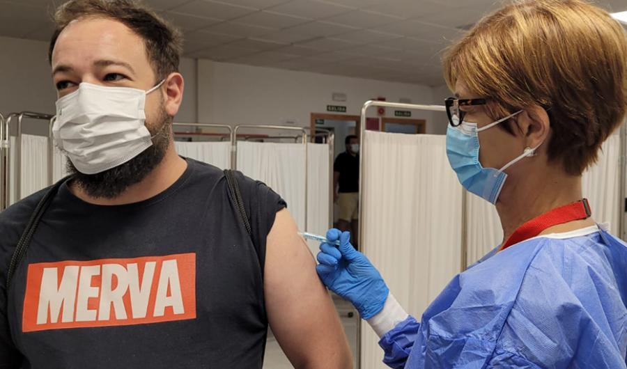 Actualidad Actualidad Andalucía baja hasta los 23 años la posibilidad de solicitar cita para vacunarse contra el Covid-19 y la recaptación de personas mayores de 40 años en 11 municipios malagueños