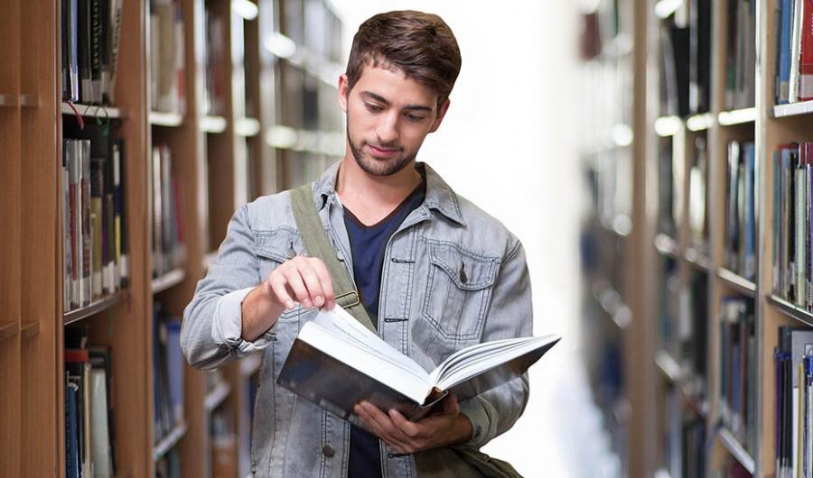 Actualidad Actualidad Andalucía inicia el curso universitario con una oferta de 749 títulos de posgrado y hasta 24.500 plazas