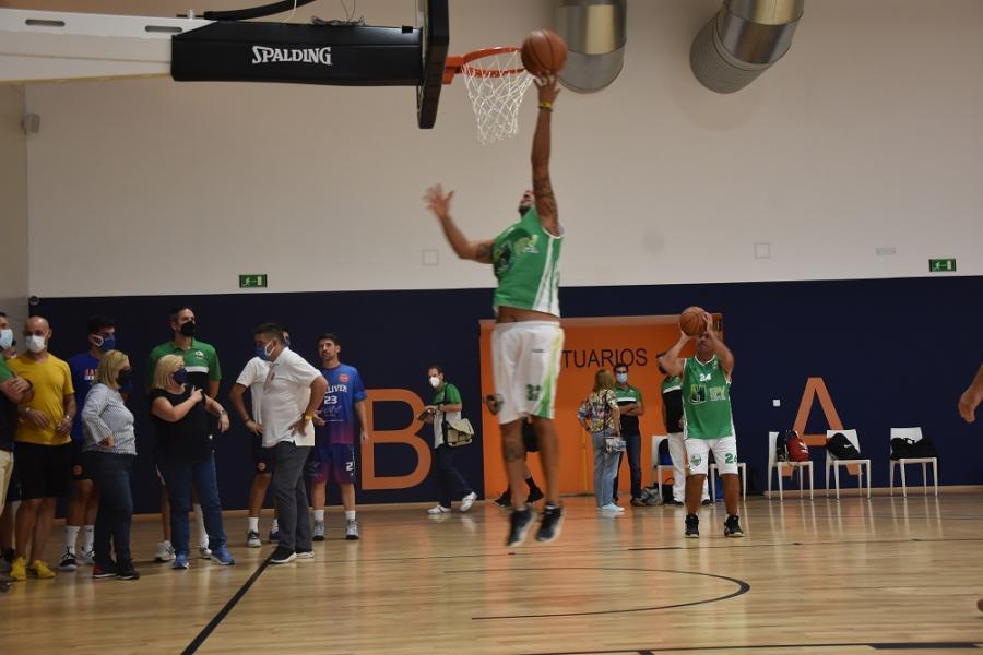 Fuengirola Fuengirola Los clubes locales de baloncesto y sus equipos de cantera ya se ejercitan en el Centro de Entrenamiento de Carvajal de Fuengirola