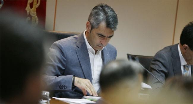 Benalmadena Benalmadena Víctor Navas no entiende el mensaje claro de la ciudadanía: más humildad y cuatro carriles, alcalde de Benalmádena