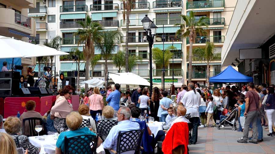 Fuengirola Fuengirola Los bulevares Martínez Catena y Lamo de Espinosa de Fuengirola acogerán una gran fiesta de  temática ochentera