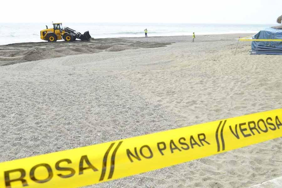 Torremolinos Torremolinos Comienzan los trabajos de regeneración de las playas de Torremolinos tras el temporal de marzo