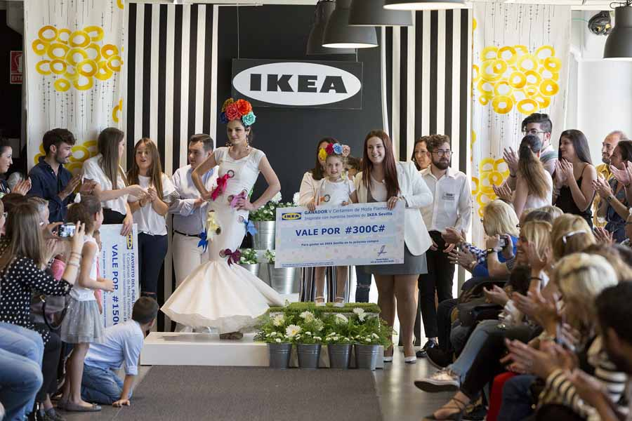 Moda Moda Inma Martínez, ganadora del V certamen de Moda Flamenca de IKEA Sevilla