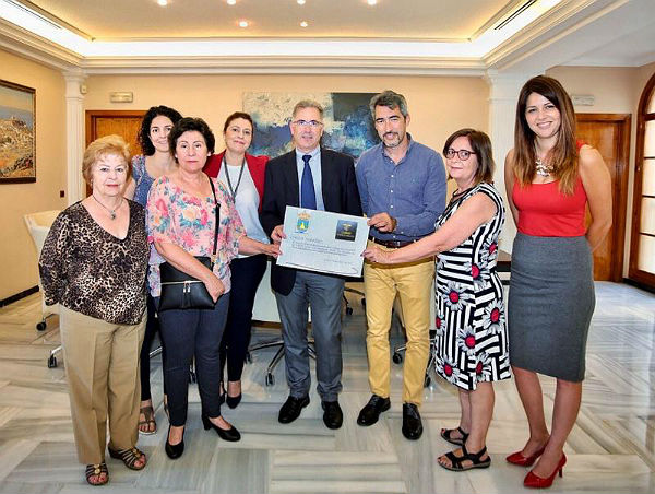 Benalmadena Benalmadena El Casino Torrequebrada dona 1.022 euros a ABAD en concepto de Ficha Huérfana