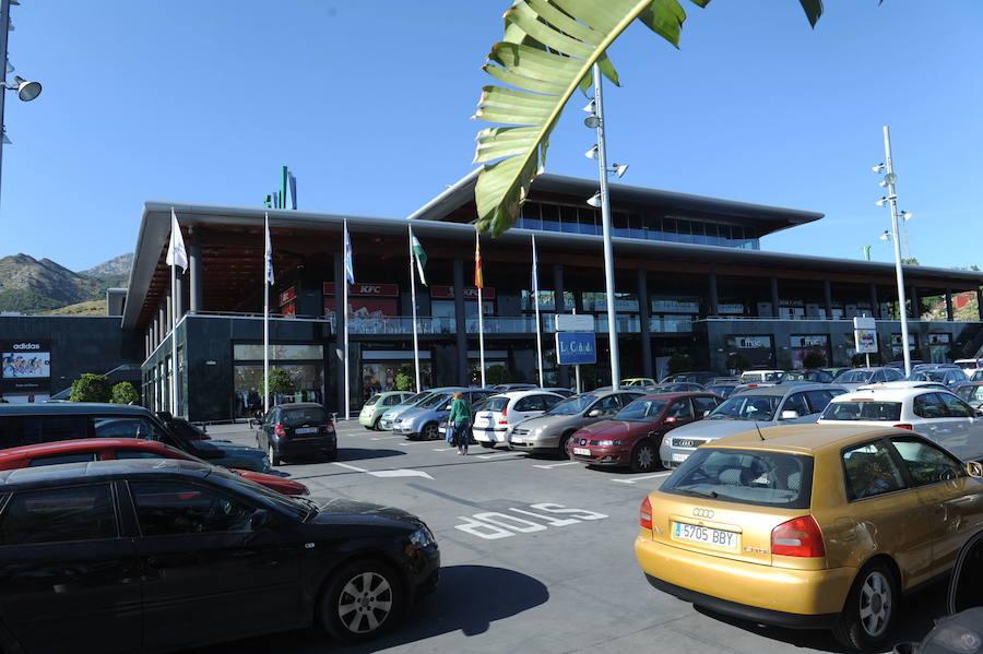 Marbella Marbella El Ayuntamiento firma el contrato de cesión de los terrenos de la tercera fase de La Cañada para celebrar la Feria de Noche