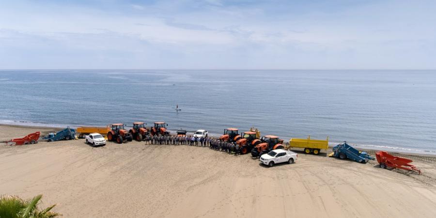 Estepona Estepona Estepona renueva por completo la flota de máquinas para mantenimiento y conservación  de las playas